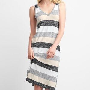Gap striped v-neck sleeveless midi dress M Tall